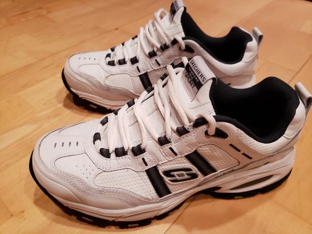 New size 9.5 men's runners.