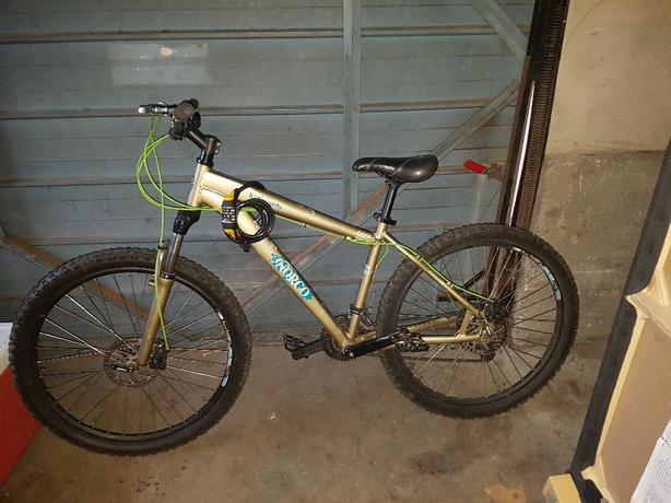 84a55c38e6f 2011 Norco katmandu mountain bike w/lock Victoria City, Victoria