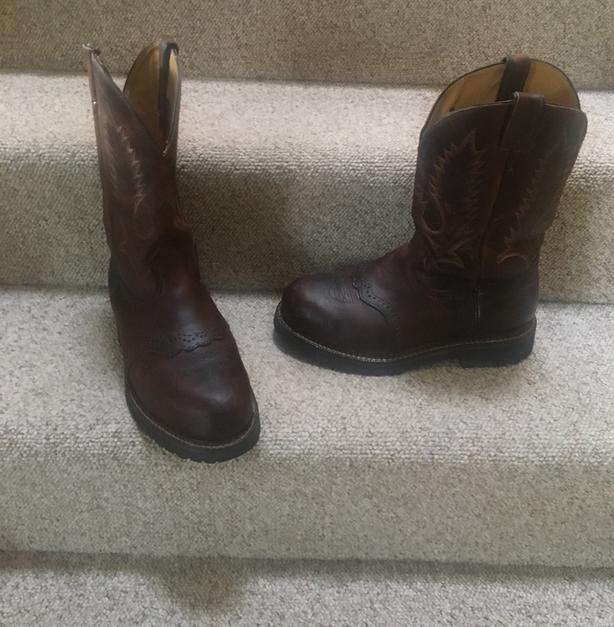 898a0251fb3 Men's Boulet CSA Western Style Boots 8 1/2 US Saanich, Victoria