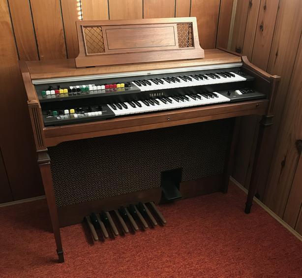 FREE: Yamaha Electric Organ