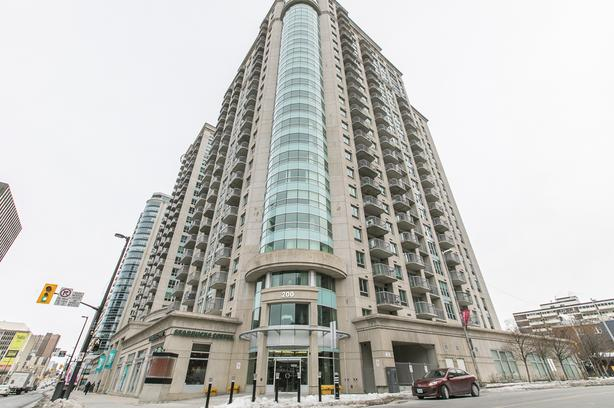 Spectacular 2 Bedroom + Den Condo for Rent