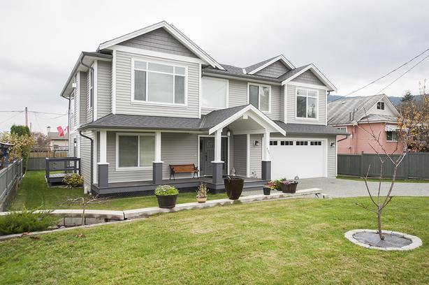 Newer Home with 2 Bedroom Legal Suite