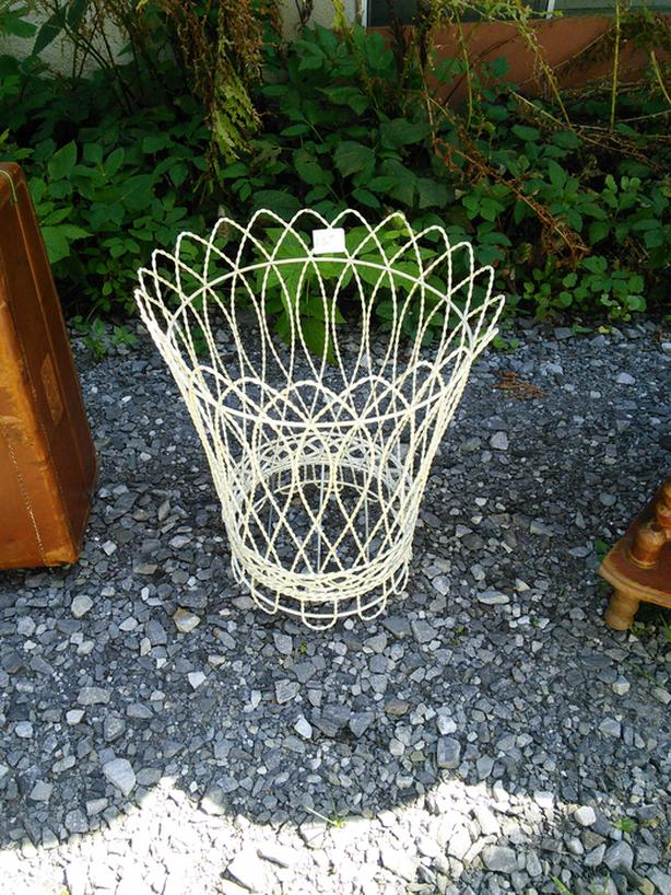 BASKET HOLDER