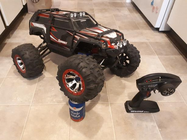 FOR TRADE: 1/8 scale Traxxas Summit