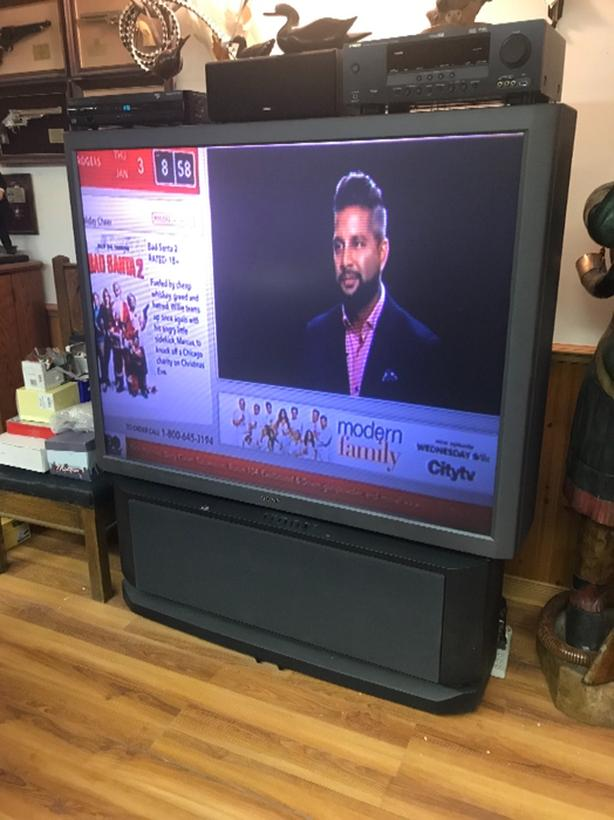 FREE: 60 inch rojection TV