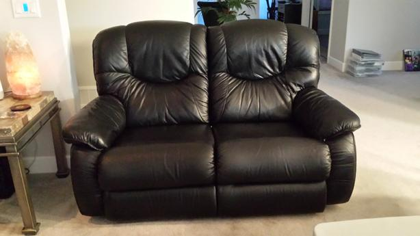 Black Leather La-z-Boy Love Seats