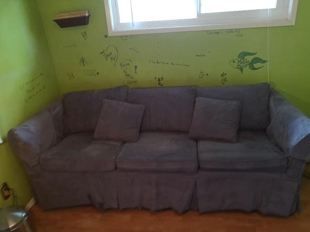 FREE: couch!