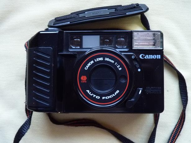 Canon Sure Shot 35mm point and shoot camera