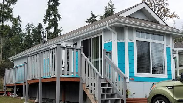 Park Model Home for Sale in Chemainus Gardens