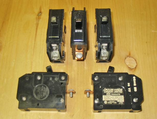 TAYLOR ELECTRIC 'Type Q' 20 Amp, 1 Pole, 120 Vac Circuit Breakers ~ Rare!