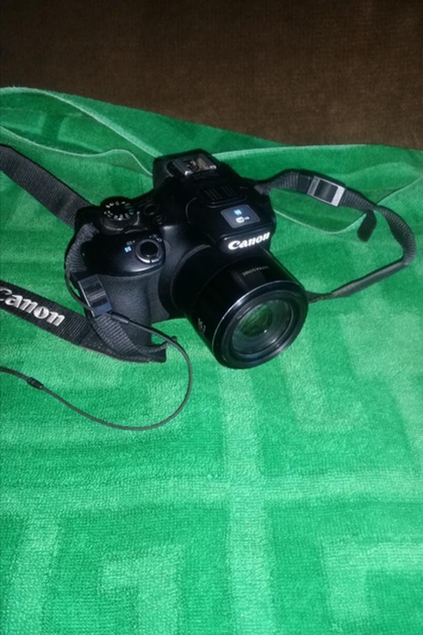 Canon sx60 HS 16 mp-260x zoom