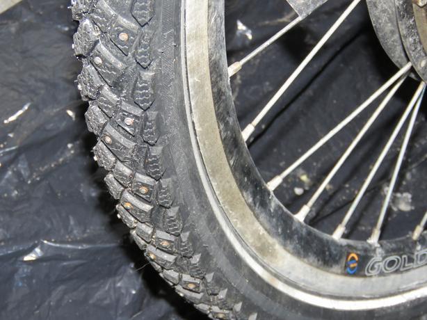 """Two schwalbe marathon winter tires 26"""""""