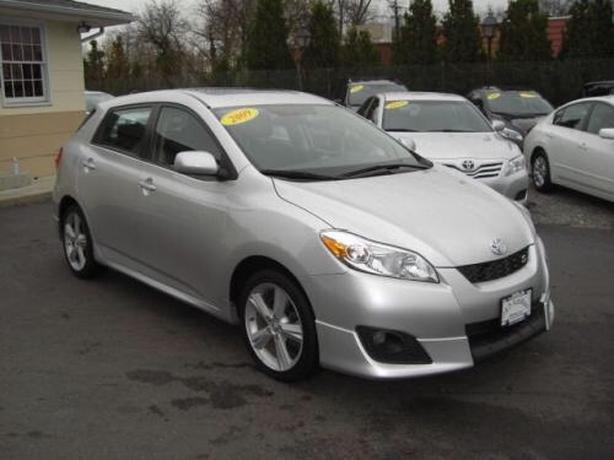 COMMUTER SPECIAL!!! 2011 Toyota Matrix $$$aves on Gas