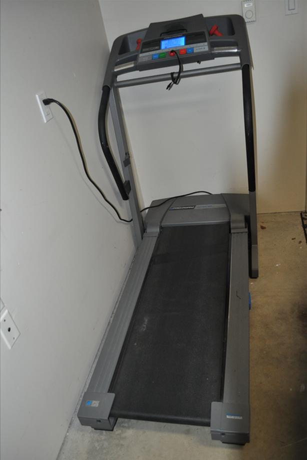 ProForm 400GI Folding Treadmill