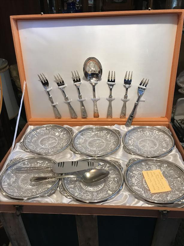 mid century pressed glass dessert/cutlery set