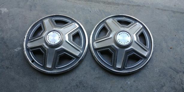 Mustang hubcaps