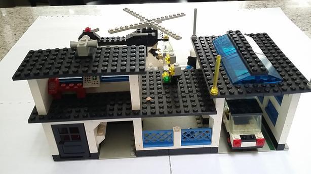 Lego Vintage Police Station