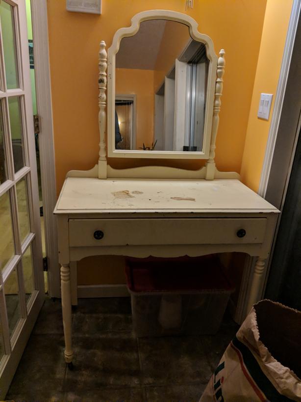 Vintage vanity table