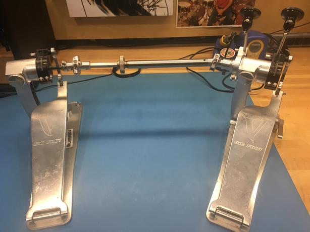 Trick Pro 1-V Bigfoot double bass pedals with case and Drumagnetics mod