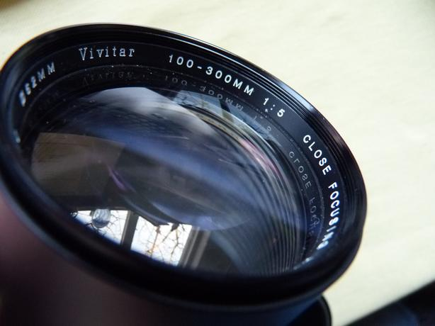 Vivitar 100-300mm F5 camera lens, 42mm Pentax mount, excellent