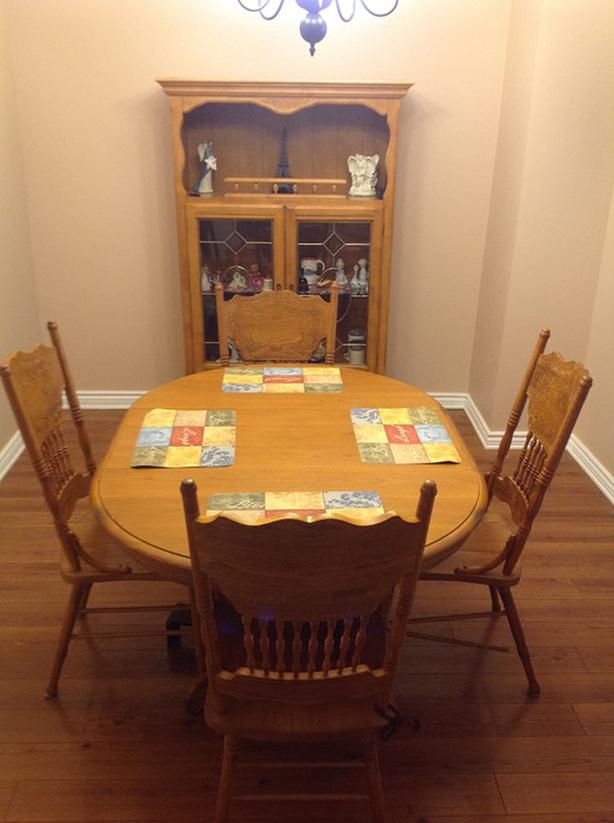 Real Oak Table, Great Condition