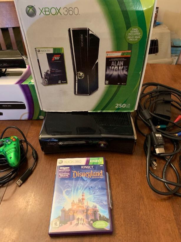 Xbox 360 console plus kinect