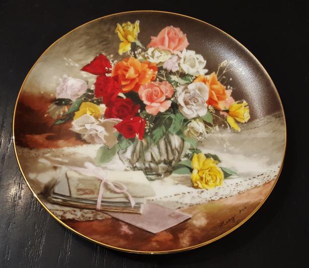 FLOWERS OF YOUR GARDEN collectors plate - Bradex 1988