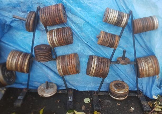 800 lbs of steel weights