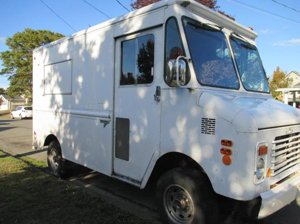 ** 1983 1 Ton GMC Grumman - Propane - Heavy Duty Suspension **