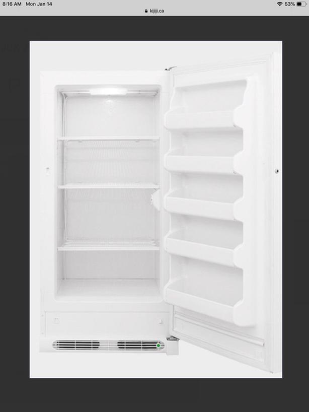 ))) FRIGIDAIRE UPRIGHT FREEZER (((