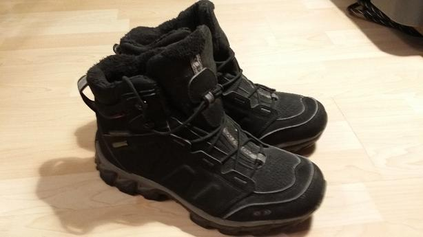 Salomon winter hiking boots - like new