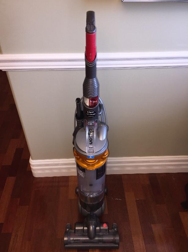 Dyson DC18 Slim All Floor Vacuum