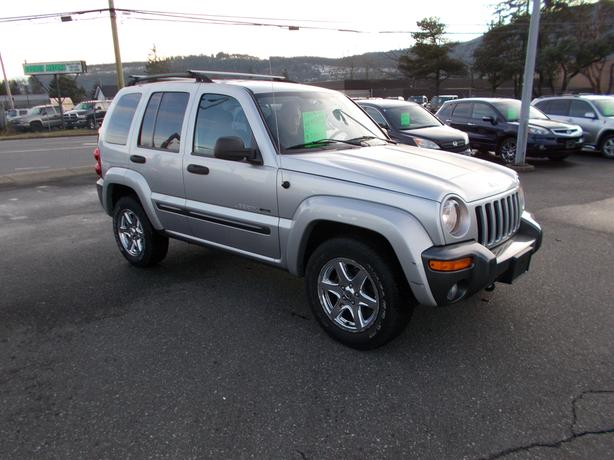 2004 jeep liberty sport 4x4 - 142 kms
