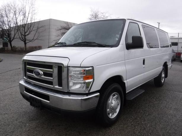 2014 Ford Econoline E-350 XLT Super Duty Extended 15 Passenger Van