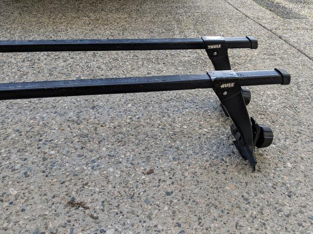 Thule gutter mount roof racks with locks/key