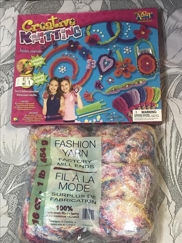Creative Knitting Kit by Play Art / 1lb Fashion Yarn Esquimalt