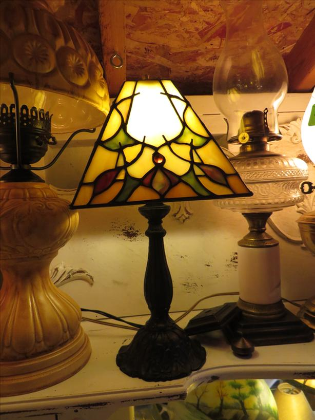 Stupendous Lamps Repairs And Discount Antique Vintage Lamps Esquimalt View Wiring 101 Bdelwellnesstrialsorg