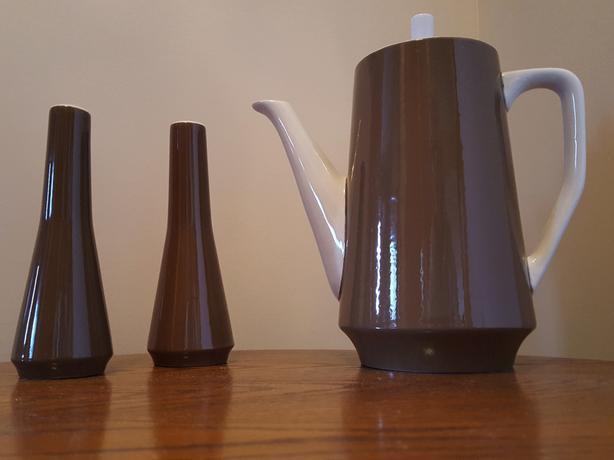 IRONSTONE COFFEE POT w/ SALT & PEPPER SHAKERS - vintage