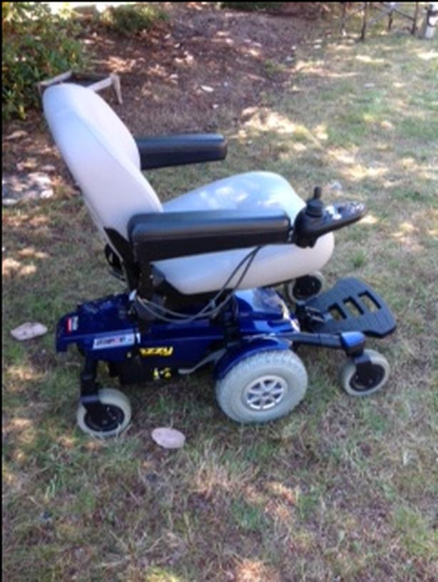 Jazzy power chair deluxe