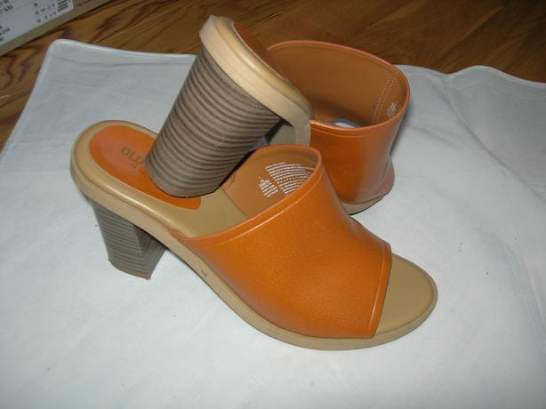 Sweet Old Navy Shoes Size 7