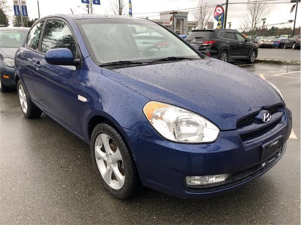2011 Hyundai Accent L Sport, Hatchback, Sunroof, Alloy Rims