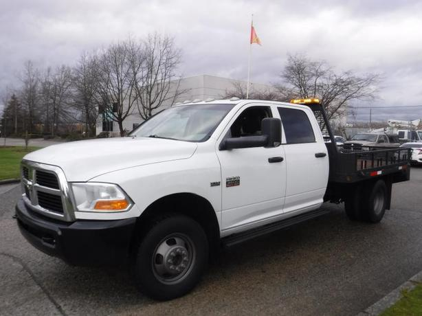 2011 Dodge Ram 3500 Crew Cab Dually  4WD 9.5 foot Flat deck