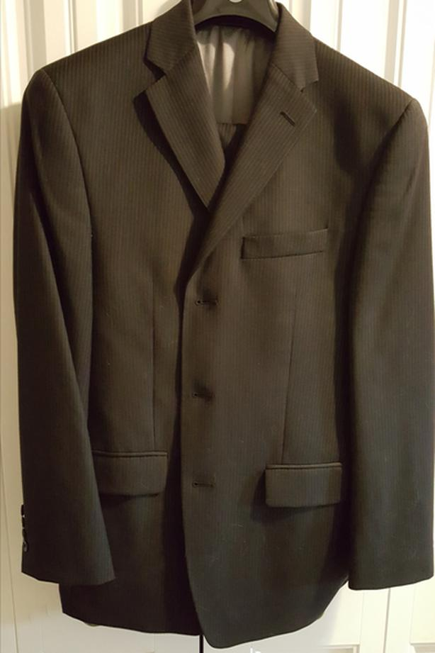 Calvin Klein Suit, 40 Regular