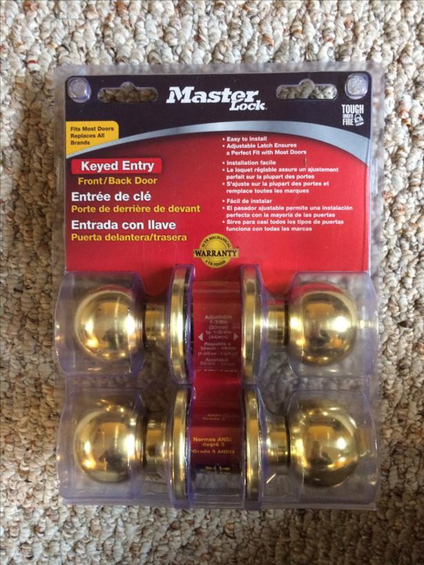 BRAND NEW! - 2 Interior Doorknobs keyed (one key opens both doorknobs)