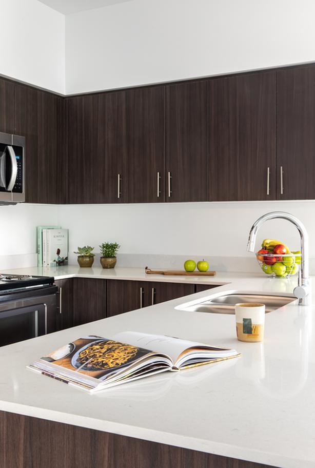 2B/2B Top Floor Luxury Rental Suite - Unit 502 at Kayak