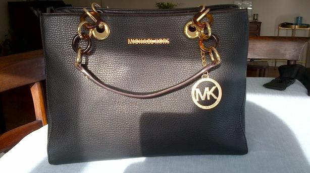 7e05e32e2b9c Michael Kors Black purse -NEW Victoria City, Victoria