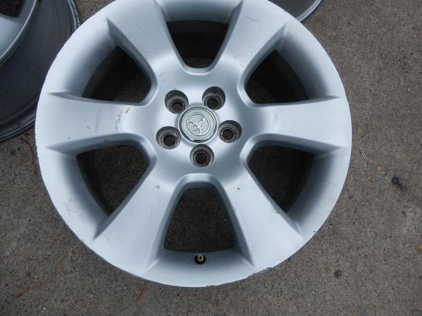 17 inch TOYOTA MATRIX / Corolla ALLOY RIMS