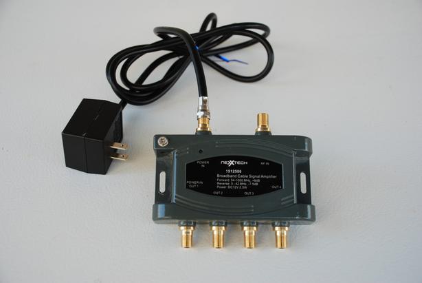 Nexxtech 4-port Broadband Cable Signal Amplifier