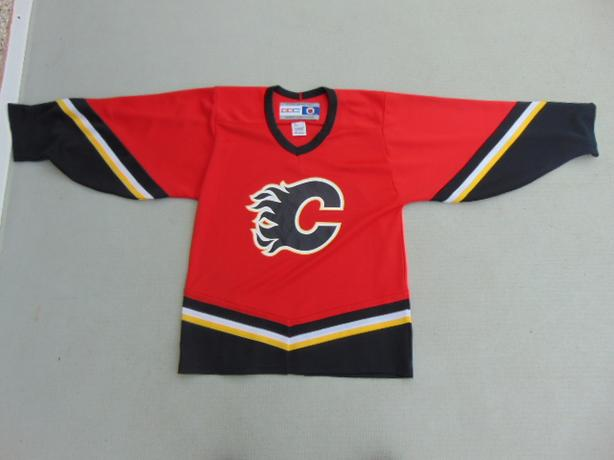 Hockey Jersey Men 39 S Size Small Ccm Calgary Flames Red Black Victoria City Victoria Mobile