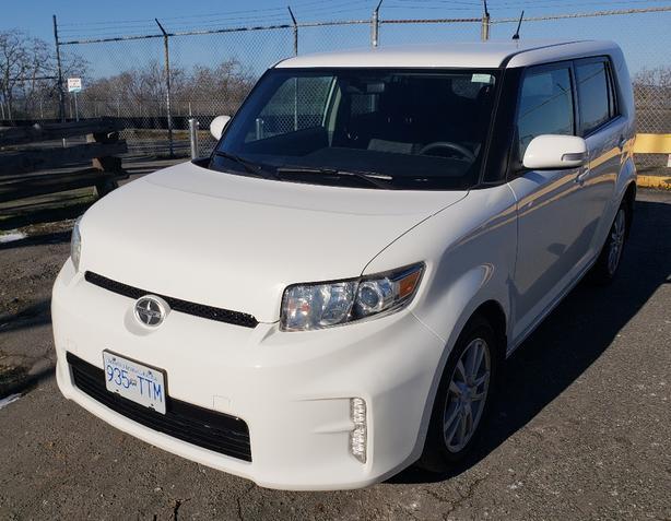 '14 Toyota Scion xB  auto 47,000 km